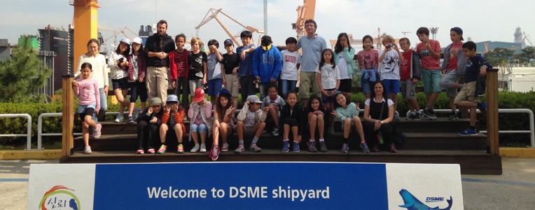 Visite d'un chantier naval pour les élèves d'Okpo et de Séoul