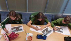 Les élèves découvrent le sujet du concours de nouvelles 2016-17