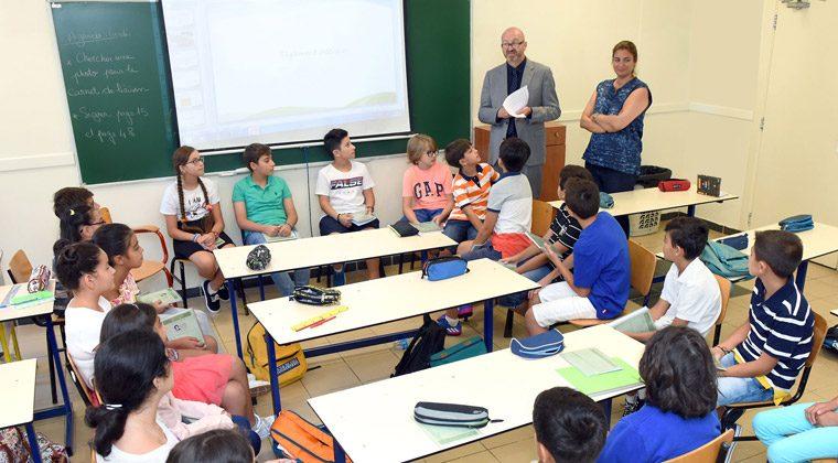 Laurent Bardou, proviseur adjoint, en visite dans les classes, le jour de la rentrée, septembre 2017