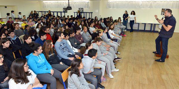 Fadi El Khatib devant les élèves, Tripoli, mars 2018