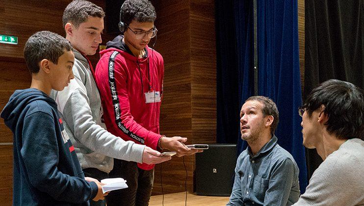 Les élèves interviewent la Compagnie Aurore