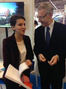 Najat Vallaud-Belkacem, ministre de l'Education nationale et Jean-Christophe Deberre au salon de l'éducation 2016