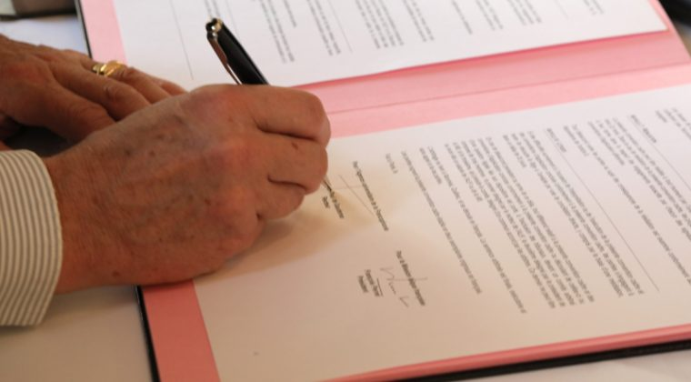 Signature de la convention de partenariat entre la Mlf et l'AUF