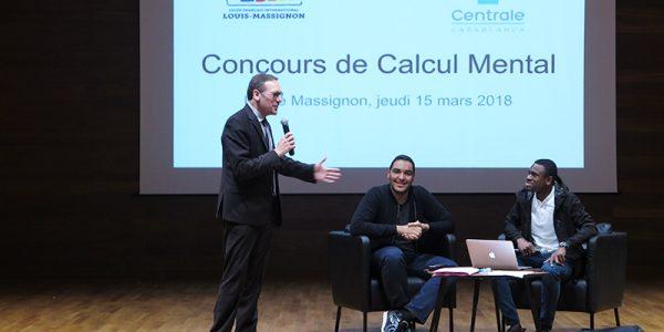 Christophe Benmimoune-Wisniewski, proviseur adjoint, et deux ingénieurs de l'école Centrale de Casablanca