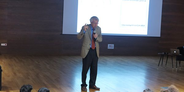Ahmed Djebbar, mathématicien