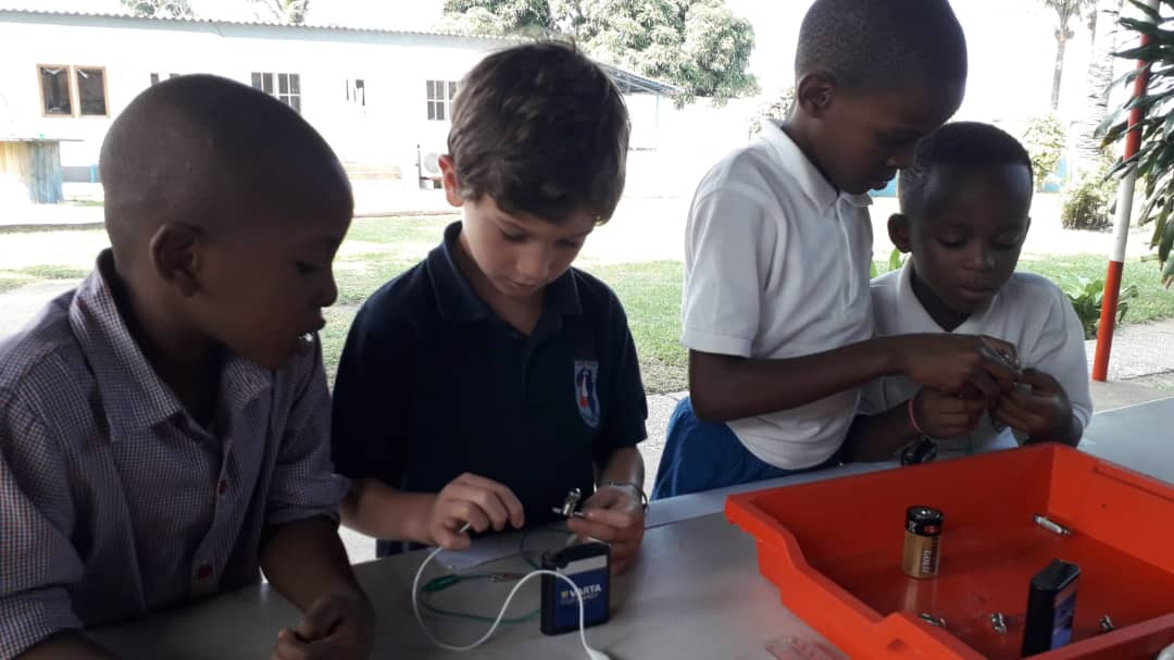 Journée des sciences à Muanda